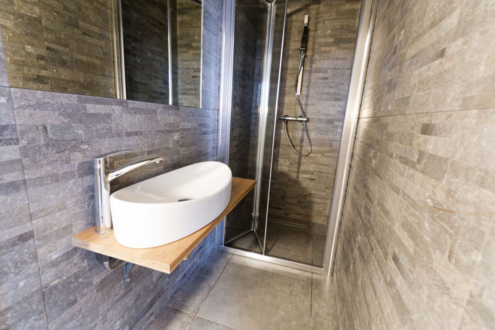 łazienka w apartamentach w niechorzu